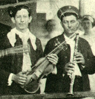 1910s Alcide Nunez plays at a camp
