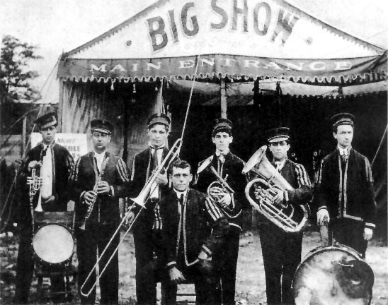 1888 (Papa) Jack Laine forms his first brass band